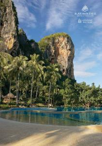 NEARBY ATTRACTIONS: ABOUT KRABI: