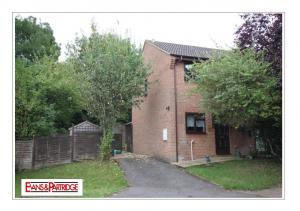 PRICE 126,000 LEASEHOLD (Representing a 60% share)